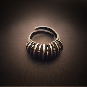 Baltiški papuošalai. Žalvarinis įvijinis žiedas 3