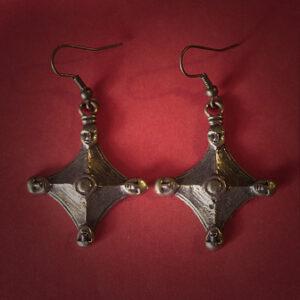 Baltiški papuošalai. Žalvariniai auskarai - 4 Galvos - VIII.