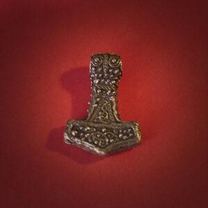 Papuošalai. Pagoniškas keltiškas kabutis Toro kūjis (Dievaičio Perkūno plaktukas)