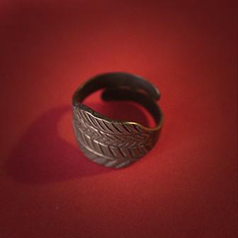 Baltiški papuošalai. Žalvarinis įvijinis žiedas 2.