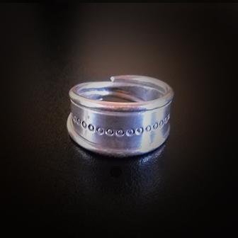 Papuošalai. Baltiškas sidabrinis žiedas VII
