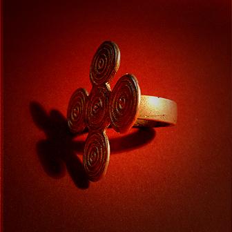 Baltiški papuošalai. Žalvarinis žiedas.