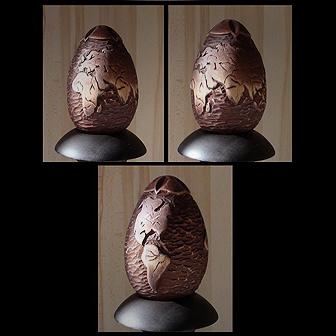 Medinis suvenyras rankų darbo kiaušinis - žemėlapis, aukštis 16cm