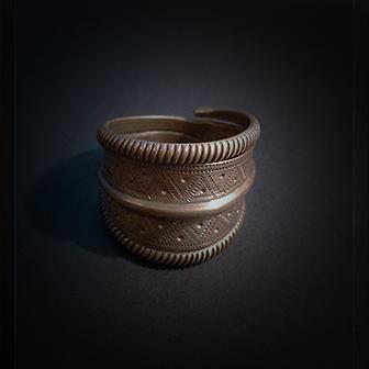 Baltiški papuošalai. Žalvarinis žiedas VII.
