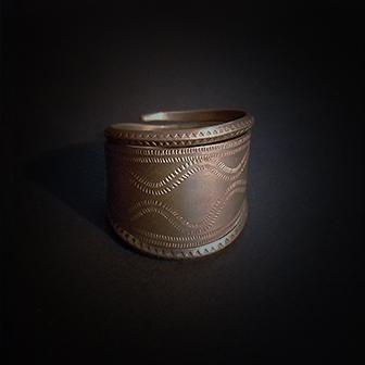 Baltiški papuošalai. Žalvarinis žiedas VI.