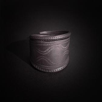 Baltiški papuošalai. Sidabrinis žiedas VI.