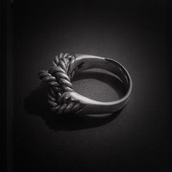 Baltiški papuošalai. Sidabrinis žiedas V.