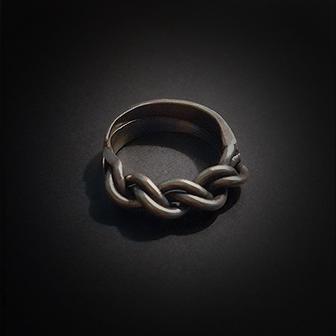 Baltiški papuošalai. Žalvarinis žiedas III.