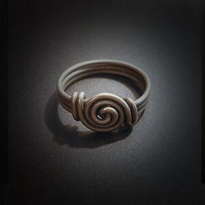 Baltiški papuošalai. Žavarinis žiedas I.