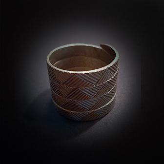 Baltiški papuošalai. Žalvarinis žiedas XVI.