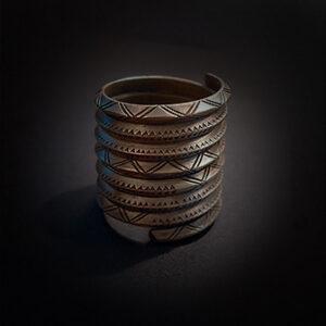 Baltiški papuošalai. Žalvarinis žiedas XV.
