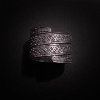 Baltiški papuošalai. Sidabrinis žiedas XIII.