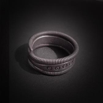Baltiški papuošalai. Sidabrinis žiedas XI.