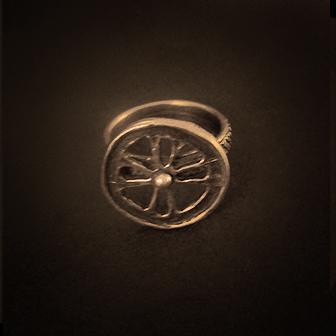 Baltiški papuošalai. Žalvariniai žiedas - Šviesa.