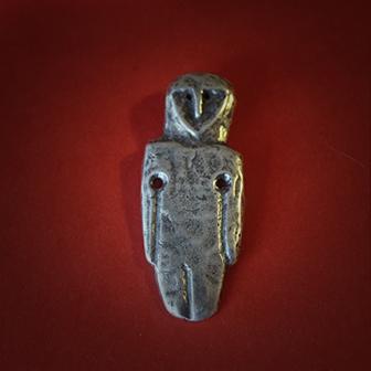 Baltiški papuošalai. Žalvarinis pasidabruotas kabutis - Neolito amuletas II.