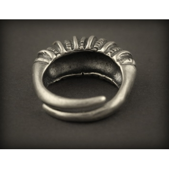 Baltiški papuošalai. Žalvarinis pasidabruotas įvijinis žiedas 3