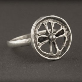 Baltiški papuošalai. Žalvarinis pasidabruotas žiedas - Šviesa.